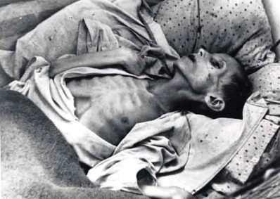ウクライナで餓死した子供