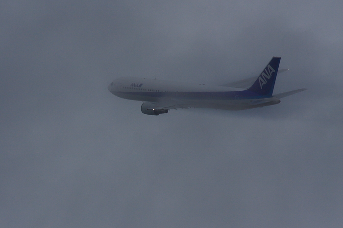 ANA B767-381 ANA549@リサイクルセンター前(by 40D with SIGMA APO300/2.8EX DG+APO TC2x)
