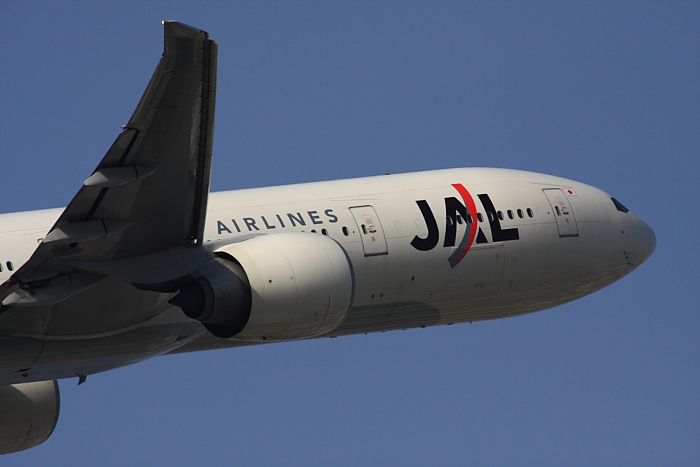 JAL B777-346ER JAL3002@下河原緑地展望デッキ(by 40D with SIGMA APO300/2.8EX DG+APO TC2x)