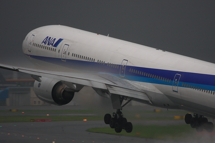 ANA B777-381 ANA34@伊丹スカイパーク(by 40D with EF100-400/4.5-5.6L IS)