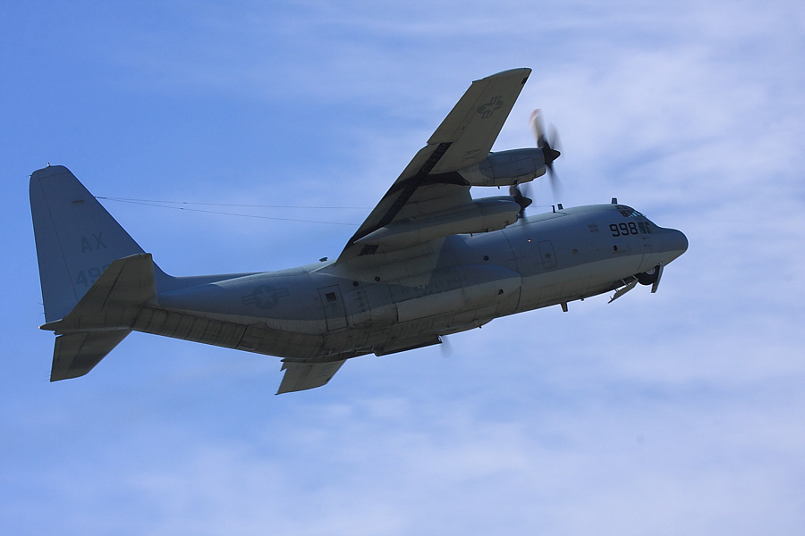 US NAVY C-130 Hercules@下河原緑地公園展望デッキ(by EOS40D with EF100-400/4.5-5.6L IS)