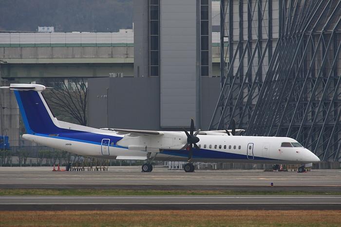 元ANA DHC-8-Q400 JA849A@RWY14Rエンド(by 40D with SIGMA APO300/2.8EX DG+APO TC2x)
