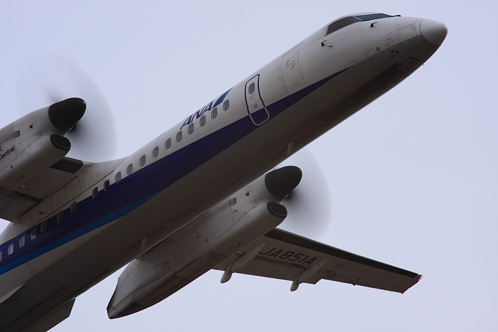 ANA DHC-8-Q400 ANA1651@下河原緑地展望デッキ(by 40D with SIGMA APO300/2.8EX DG+APO TC2x)