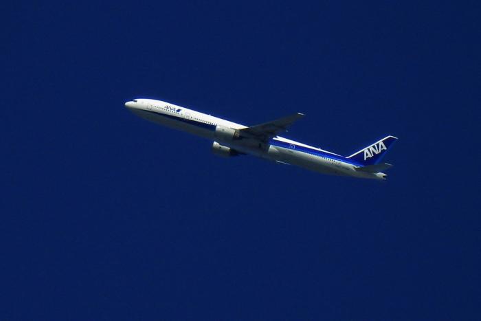 ANA B777-381 ANA105(by IXY DIGITAL 910IS)
