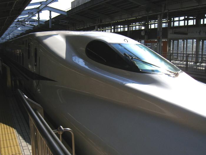 出張・のぞみ7号N700系@新大阪駅(by IXY DIGITAL 910IS)