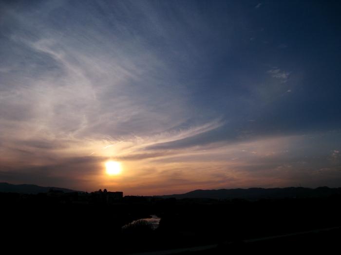 今日の夕空@RWY14Rエンド・猪名川土手(by IXY DIGITAL 910IS)