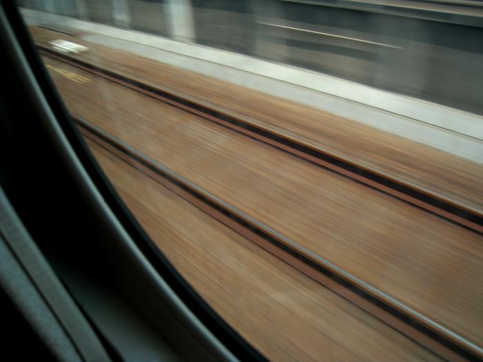 新幹線の車窓から・上り線レール@のぞみ7号(by IXY DIGITAL 910IS)