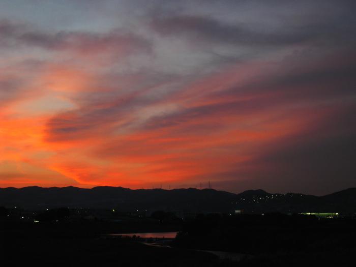 急変した今日の夕空@RWY14Rエンド・猪名川土手(by IXY DIGITAL 910IS)