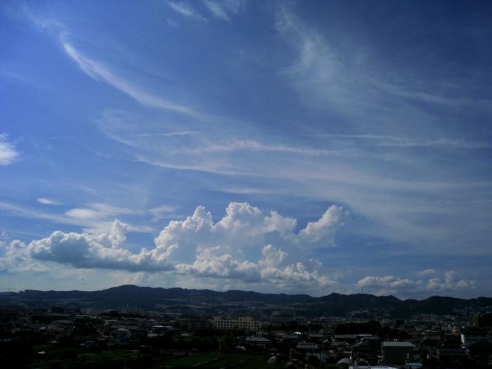 今日・昼下がりの空@会社屋上(by IXY DIGITAL 910IS)