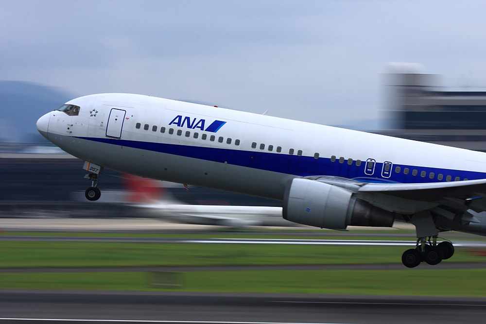 ANA B767-381 ANA733@伊丹スカイパーク(by 40D with EF100-400/4.5-5.6L IS)