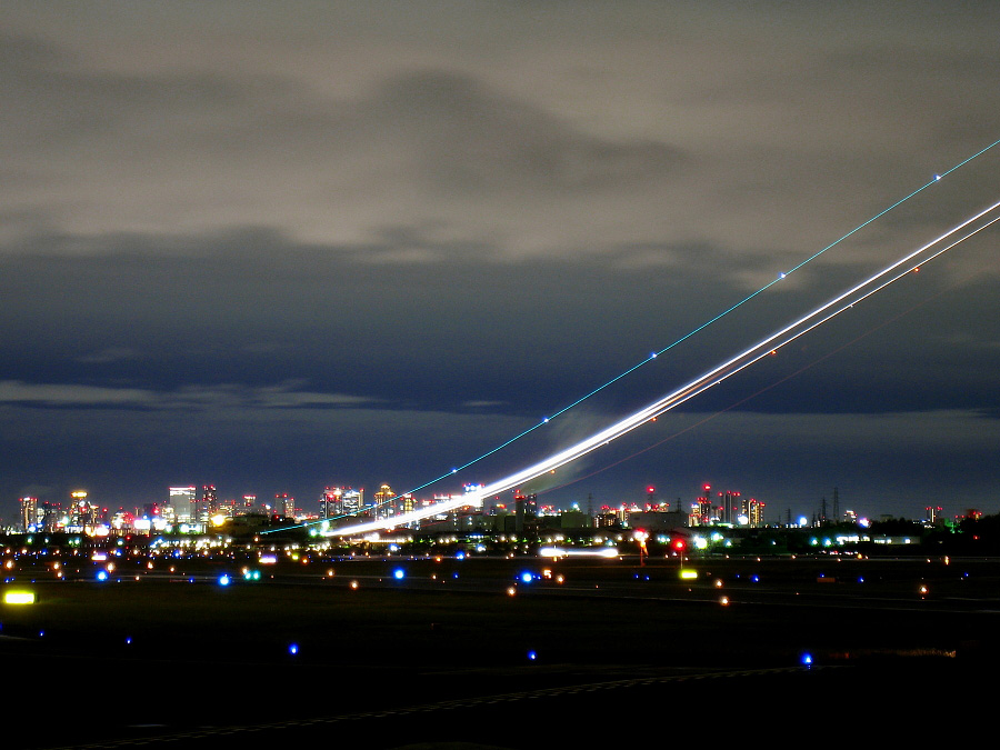 今夜の空港@エアフロントオアシス下河原(by IXY DIGITAL 910IS)