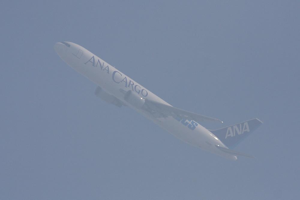 ANA Cargo B767-381F ANA9604@昆陽池公園(by 40D with SIGMA APO300/2.8EX DG+APO TC2x)