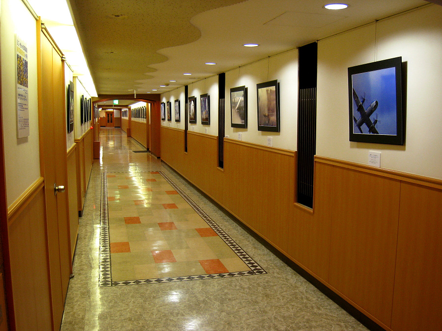 ひこーきnet合同写真展会場@中央ターミナル3F会場(by XIY DIGITAL 910IS)