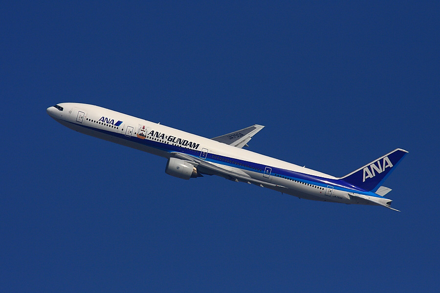 ANA B777-381 ANA105@昆陽池公園西岸(by EOS40D with SIGMA APO 300/2.8EX DG+APO TC2x)