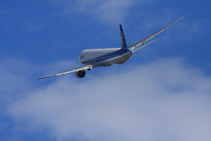 ANA B777-381 ANA14@RWY14Rエンド・猪名川土手(by 40D with SIGMA APO300/2.8EX DG+APO TC2x)