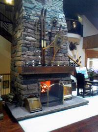 ニドムの素敵な暖炉。