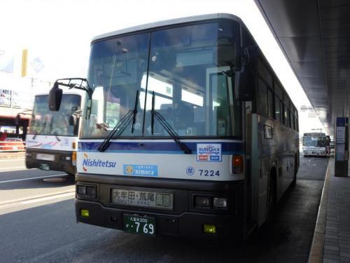 福岡空港にて大牟田7224