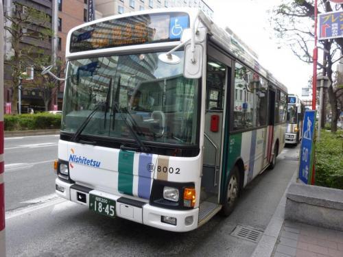 博多駅にて吉塚8002の15番