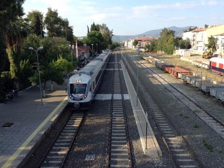 セルチュクの風情ある線路風景