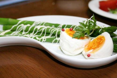 アスパラと卵のサラダ