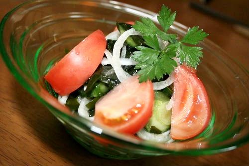 新わかめと新タマのサラダ