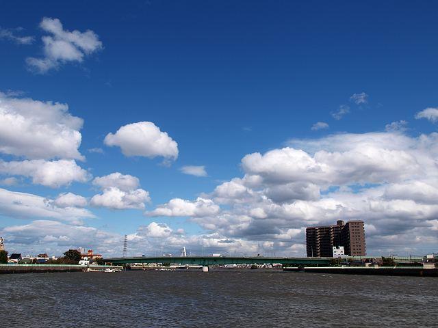 台風後の雲と空