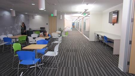EC10_lounge2.jpg