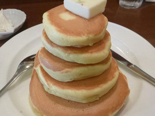 浅草ミモザのパンケーキはビッグホットケーキ001