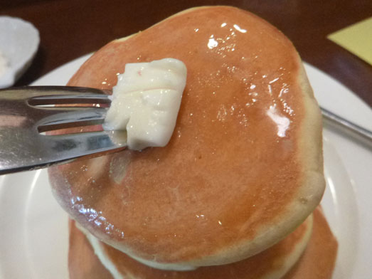 浅草ミモザのパンケーキはビッグホットケーキ022