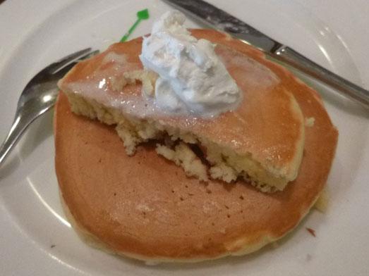 浅草ミモザのパンケーキはビッグホットケーキ025