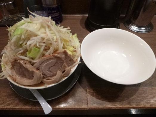 ジャンクガレッジ東京ラーメン豚増し野菜増しダブル014