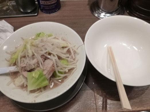 ジャンクガレッジ東京ラーメン豚増し野菜増しダブル018