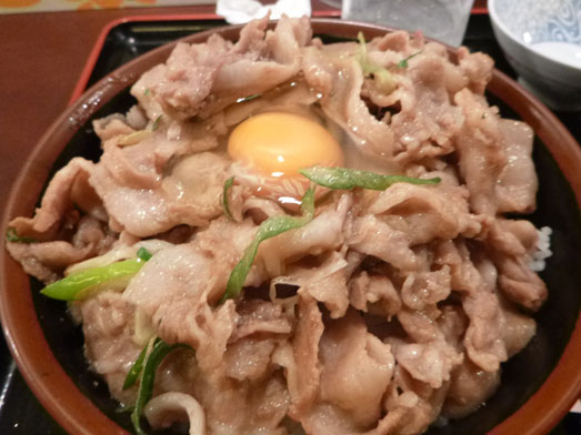 昭和食堂秋葉原駅前店でスタミナ丼メガ盛り047