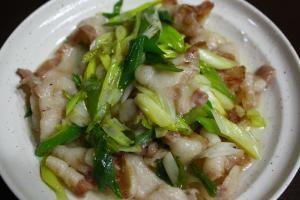 豚バラとネギの塩胡椒炒め