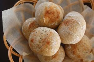 ホシノ酵母 ライ麦入りプチパン