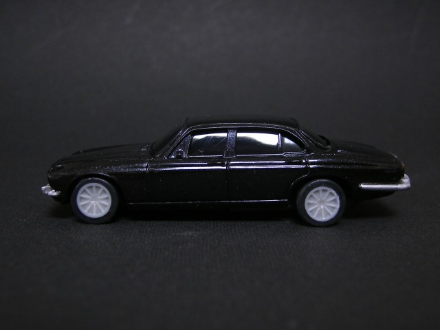 JAGUAR XJ12(SERIESⅡ)~ジャガー&ランドローバー ブラックプルバックカーコレクション~