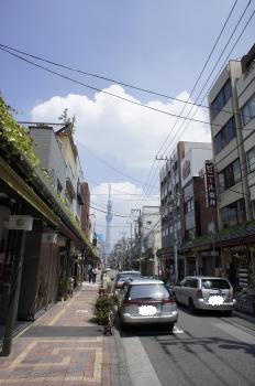 道具街から見た東京スカイツリー