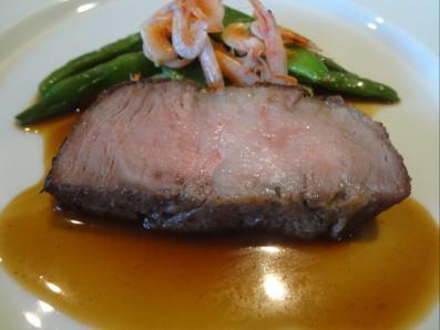 ビゴール豚(フランス産)のローストシェリービネガーのソース
