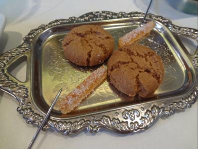 シナモンの焼菓子と甘夏みかんのピール