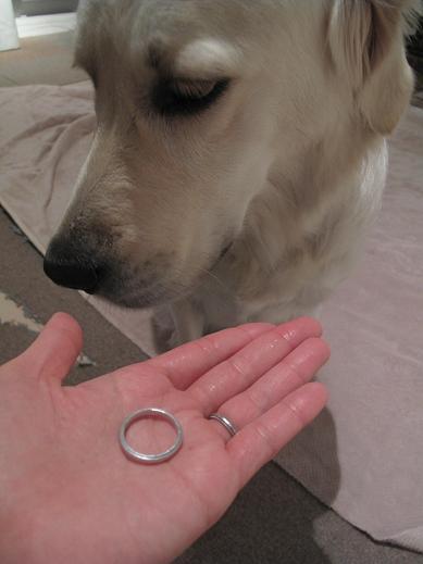 結婚指輪でしゅ