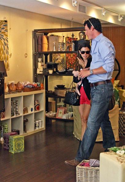 Bilson+s+male+shopping+buddy+w5y93OEyhsBl.jpg