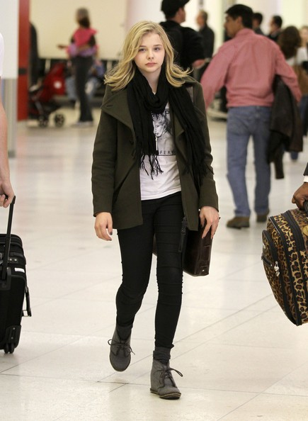 Chloe+Moretz+Arriving+LAX+Airport+9K1knxDS_V_l.jpg