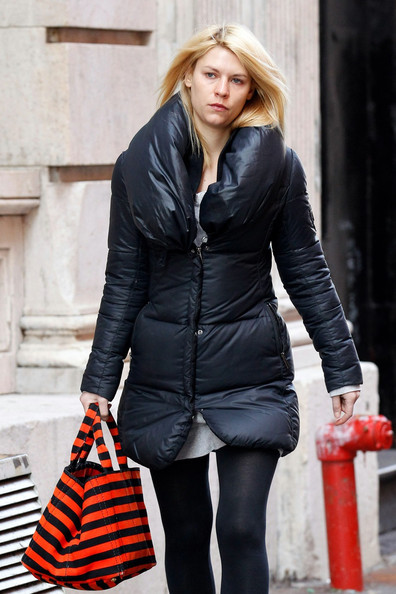 Claire+Danes+looks+bad+hair+day+spotted+strolling+fhbZ3tR-L9Rl.jpg