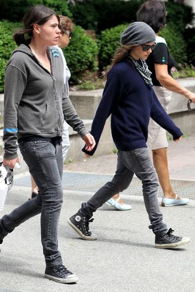 Ellen+Page+Ellen+Page+Clea+DuVall+Out+GLOmAISA9Cql.jpg