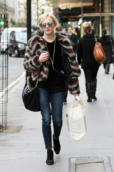 Fearne+Cotton+spotted+wearing+fur+coat+skinny+CYA1wzgrRZIl.jpg