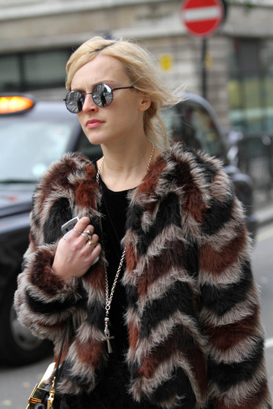 Fearne+Cotton+spotted+wearing+fur+coat+skinny+gzpxJTWlj6yl.jpg