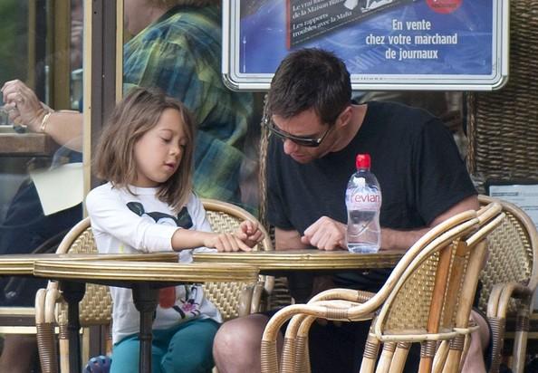 Hugh+and+Ava+s+Parisian+date+Hxcff9SuBrnl.jpg