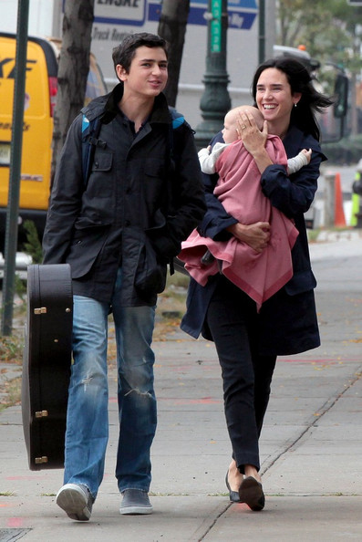 Jennifer+Paul+family+stroll+okOOIojxAL0l.jpg
