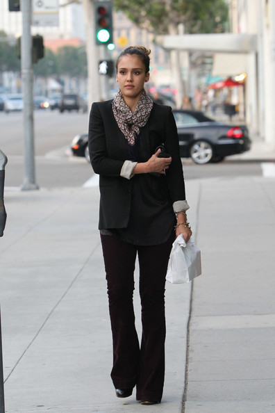 Jessica+Alba+spotted+out+Los+Angeles+T3NBEpSGWgVl.jpg