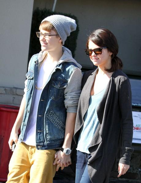 Justin+Bieber+Selena+Gomez+Leaving+IHOP+Restaurant+NCyaqzVl5O0l.jpg